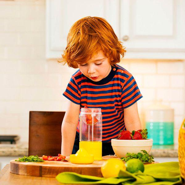 copo-infantil-infusor-de-frutas-amarelo05