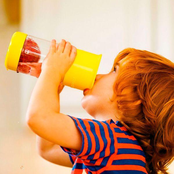 copo-infantil-infusor-de-frutas-amarelo07
