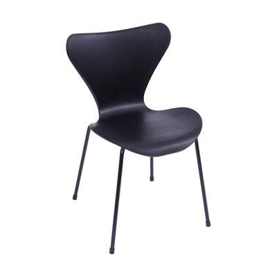 cadeira-or-design-jacobsen-preta