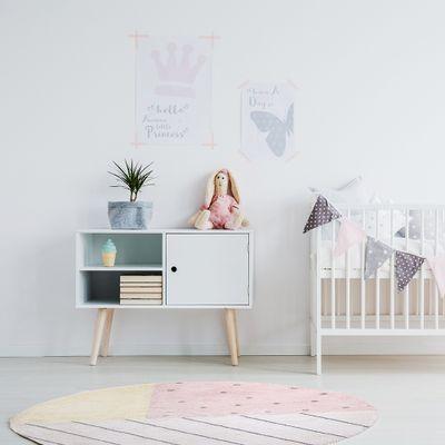 tapete-infantil-riscos-com-confete-rosa