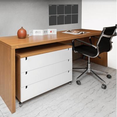 kit-escritorio-bancada-180cm-modulo-gavetas-louro-freijo-poltrona-noruega-preta--1-