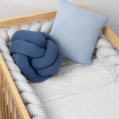 almofada-no-escandinavo-azul-jeans