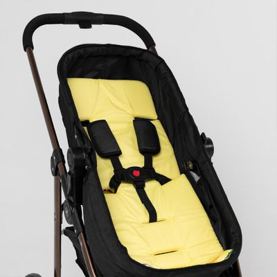 protetor-de-carrinho-universal-dupla-face-amarelo-detalhe-cinto-5-pontos