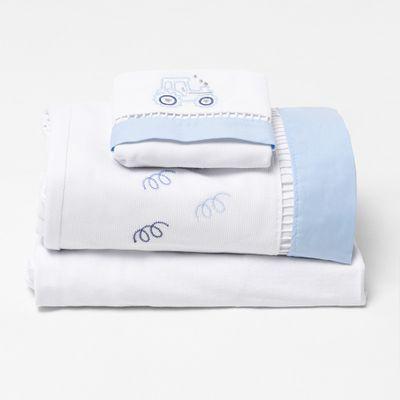 jogo-de-lencol-para-berco-bordado-trator-azul-frontal