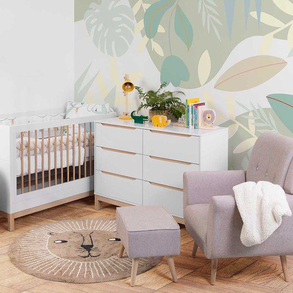berco-mini-cama-cozy-branco-com-carvalho-em-ambiente