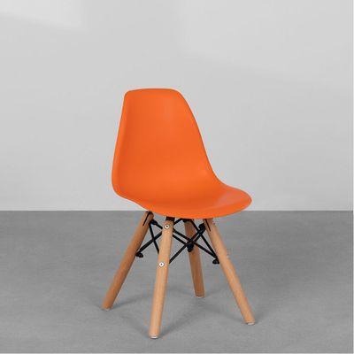 cadeira-eiffel-infantil-base-madeira-laranja-diagonal