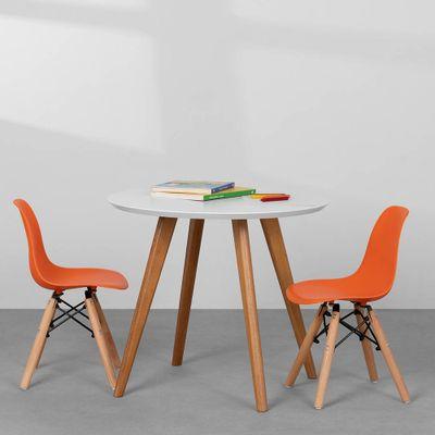 cadeira-eiffel-infantil-base-madeira-laranja-ambiente